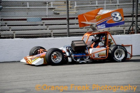 Kyle Vanderpool shoots down the frontstetch at Madera Speedway