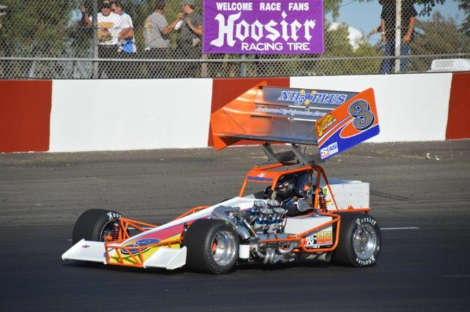 Kyle Vanderpool in his supermodified at Madera Speedway photo by Orange Freak Photography