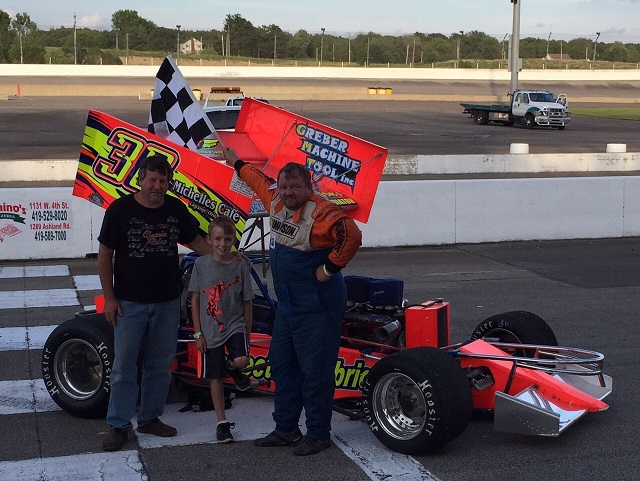 Jon Henes and family after MSA win at Sptizer Motor Speedway